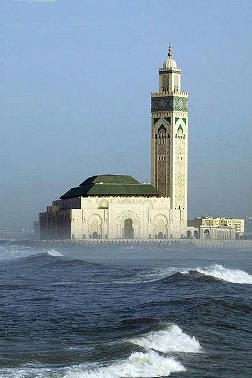 Hassan II Mosque in Casablanca, Morocco, in 1993, was built in the Moorish style. One of the largest and most beautiful mosques in the world _ Hassan II mecset Casablancában, Marokkóban, épült 1993-ban mór stílusban. Az egyik legnagyobb és legszebb mecset a világon