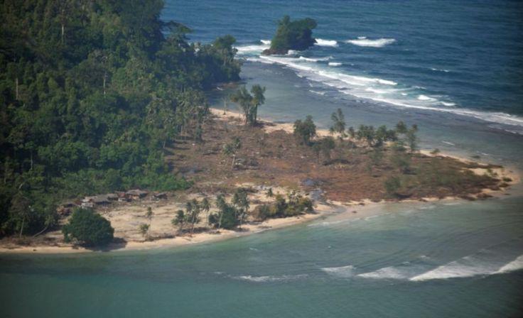 Un séisme de magnitude 7,9 dans la mer a secoué l'île de Sumatra, dans l'ouest de l'Indonésie, selon l'institut américain de géophysique (USGS), et une alerte au tsunami a été lancée par les autorités locales