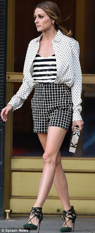 Olivia Palermo linda misturando  estampas!!! Tudo no P&B.