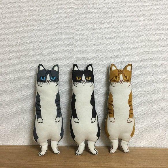ハチワレ猫 (灰トラ白)ぬいぐるみ