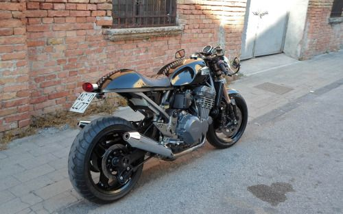 Triumph Trophy 900 Cafe Racer by Antonio Mazzeo #motorcycles #caferacer #motos | caferacerpasion.com
