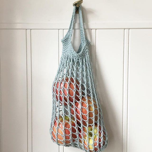 Fruktpåse nr 2 väger endast 15 gr. Stickad av bomullsgarn! #simplynotable #onebaghabit #iställetförplast