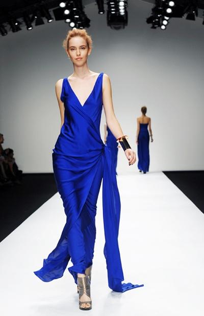 Más de 1000 ideas sobre Vestidos Azul Rey Largos en ... - photo#32
