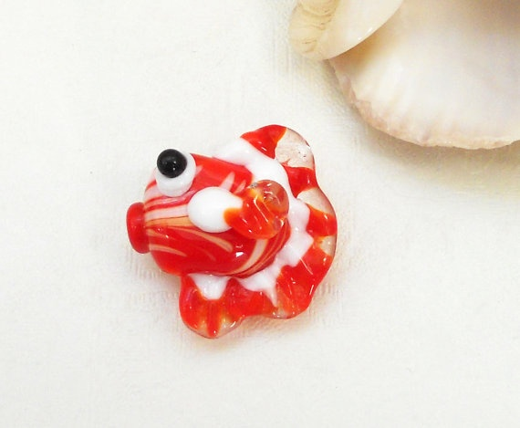 Lampwork glass fish handmade by asteriascollection, $8.50