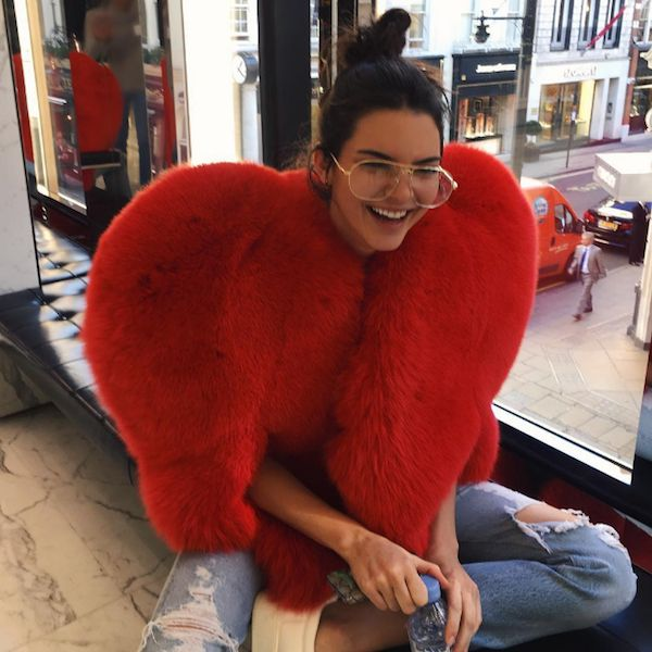 Kendall Jenner Wants To Put You On The Cover Of A Magazine - http://oceanup.com/2016/10/10/kendall-jenner-wants-to-put-you-on-the-cover-of-a-magazine/