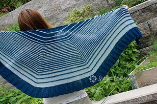 Flower Flakes shawl by Iwona Eriksson