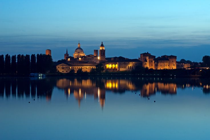 Mantova, panoramica dal lago