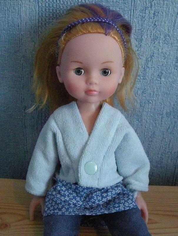 Le gilet-top-pull de Georgie (poupée de 32-35 cm, type Corolle Les Chéries) : tuto et patron ultra faciles.