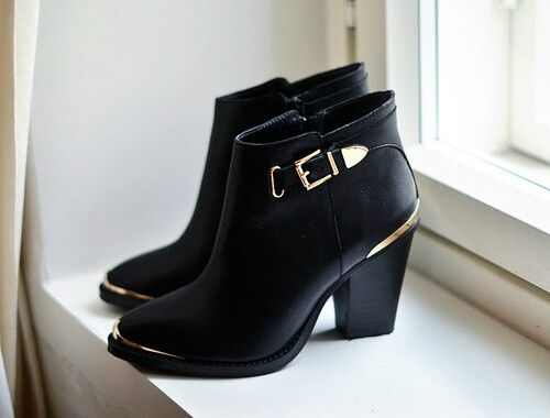 Steve Madden Black and Gold Leather Boots. bad ass with a touch of glam, I  die!