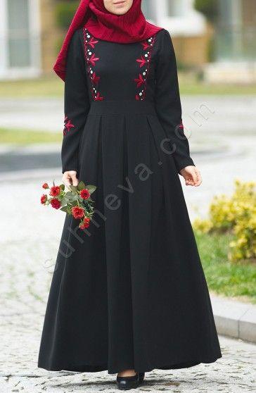 Prenses Elbise Çiçekli - Siyah Abiye,Elbise Prenses Elbise Çiçekli - Siyah; özel krep kumaş, kolayca giyim için yan gizli fermuarı vardır.