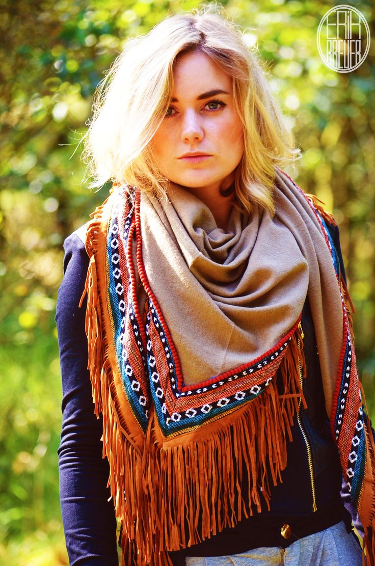 The scarf, a great way to add that extra oomph to your already perfect outfit  - Your Wishes Fotoshoot