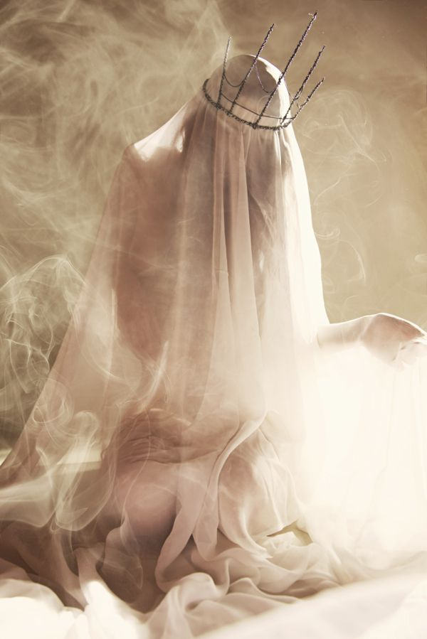 Blueblood Witch-Clan [Ghost Of the Sun by Cristian Fasoli, via Behance]