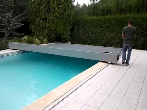Ouverture d'1 couverture de sécurité piscine COVERSEAL