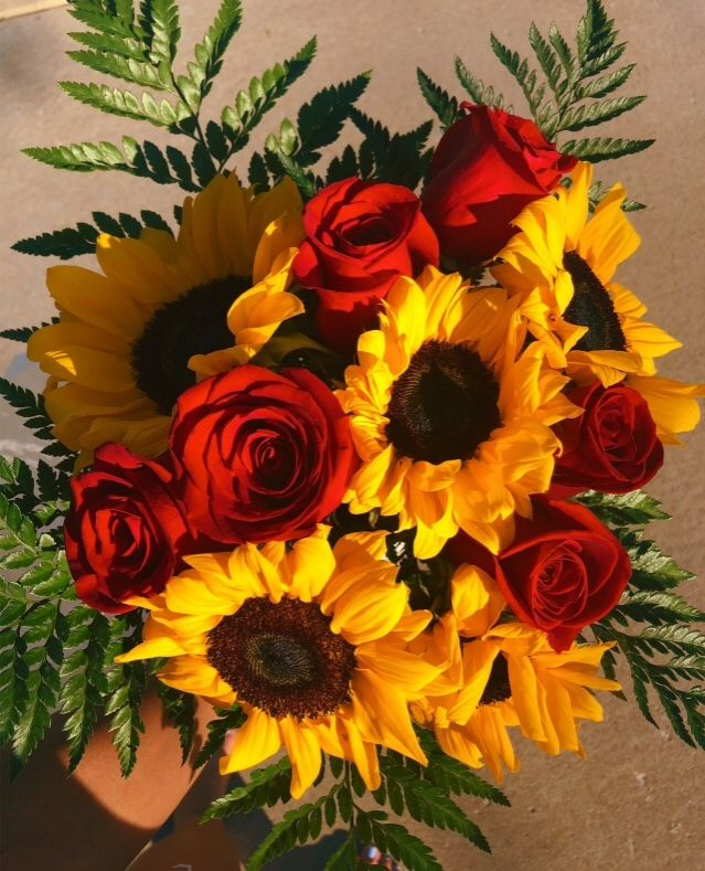 Roses And Sunflowers Wallpaper