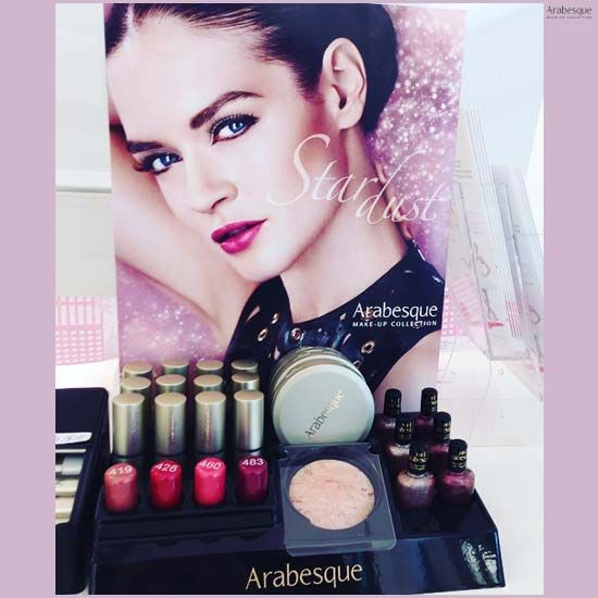 Stardust Display von ARABESQUE! #arabesque #cosmetic #beauty #cosmetics #makeup #style #star #dust #germany #augsburg #glow #look #stardust #beautydream