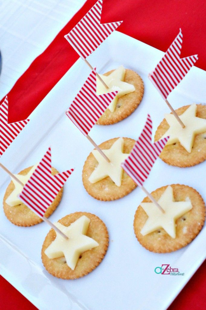 ritz crackers with star shaped cheese - festive for the 4th!