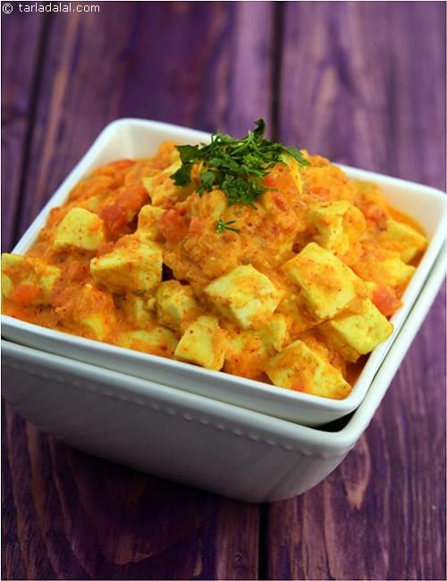 Paneer Korma is aromatic and rich, made of soft, succulent paneer cubes in a tangy onion-tinged tomato gravy. The accents of cardamom and the abundance of fresh cream make the Paneer Korma a true luxury.