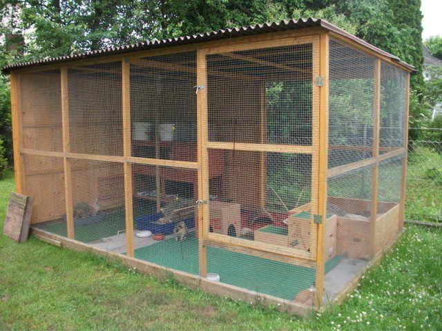Kaninchengehege (Rabbit Houses)