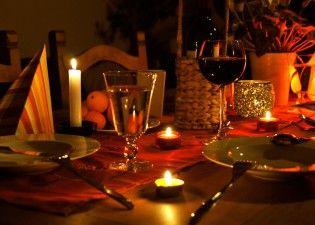 У крымчан каждый вечер ужин при свечах