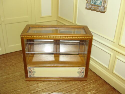 Dollhouse Miniature Small Display Counter Case T6677 Walnut