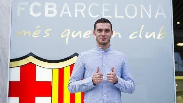 To się nazywa efektywność • Thomas Vermaelen zagrał w tym sezonie tylko 62 minuty i zdobył aż 3 trofea • Wejdź i zobacz więcej >> #barca #fcbarcelona #barcelona #football #soccer #sports #pilkanozna #funny