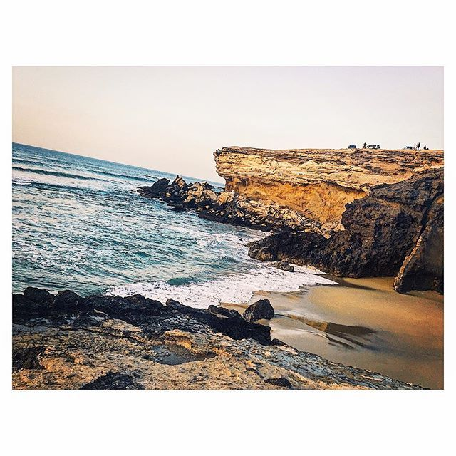 Anyone can hide.Facing up to things, working trough them,that's what makes you strong. So don't be afraid of changes,don't be afraid to follow your dreams and don't try to hide your true feelings.Just be yourself. ❤️ #canaryislands #fuerteventura #ocean #beach #rocks #summer #holiday #travel #me #happy #live #life #fun #places #landscape #view #beautiful #quotes #follow4follow #followyourdreams #photo #photography #photooftheday #goodnight  #relax #nature #earth #places_wow #instagood…