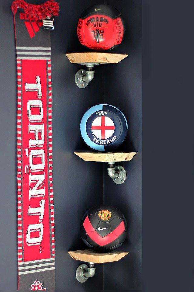 How to Make Mini Industrial Pipe Shelves | eHow