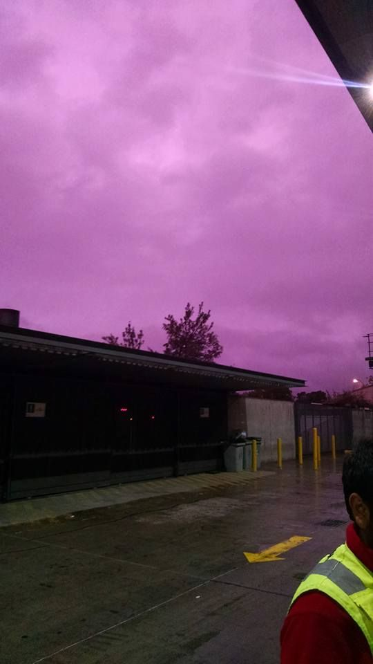 Mysterious purple sky over Santiago de Chile video pictures - Strange Sounds