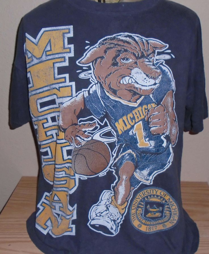 FREE Shipping vintage 1990s Michigan Wolverines basketball t shirt XL by vintagerhino247 on Etsy