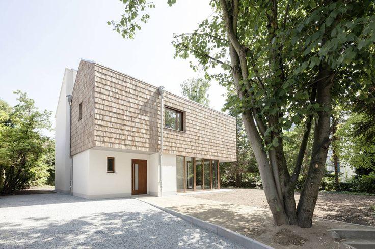 Einfamilienhaus mit Holzschindeln