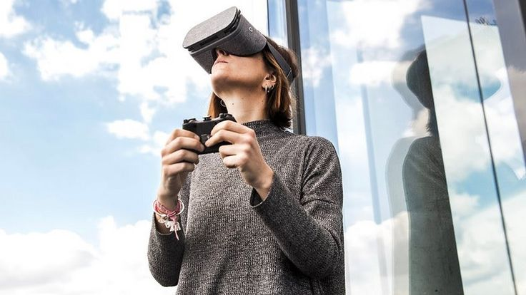 Samsung's VR Gear: is already a great virtual reality, for owners of Galaxy S8 and S8 +.  Samsung's VR Gear is already a great virtual reality headset for owners of Galaxy S8 and S8 +, and comes with a new controller to boot. It is always good to have more options, s and users of smartphones Samsung badge can now use Google Daydream View, too. In a Google+ publication the search giant confirmed that the Daydream update is ready for the Samsung Galaxy S8 and S8 + smartphones...  #Abantech