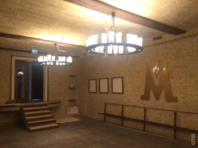 Bar Steinoptik Wand und Decke Lastra