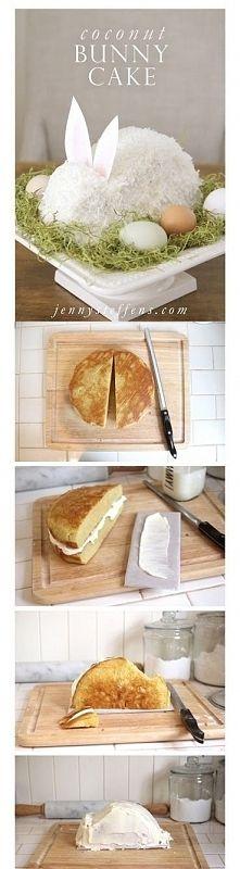 Zobacz zdjęcie Ciasto zając na święta. Pieczemy 2 biszkopty okrągłe. Robimy krem śmietankowy...