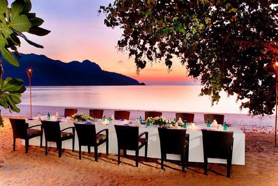 Dining on a private beach? Yes Please!!!