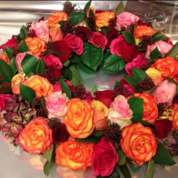 passionate colours - hydrangeas and roses - what more could you want!?