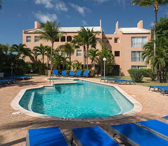 Tamaryn à Aruba   Parcs aquatiques, cours de cirque et plus encore. Jeunes et adultes trouveront tout ce qu'ils désirent dans ces hôtels familiaux des Caraïbes.