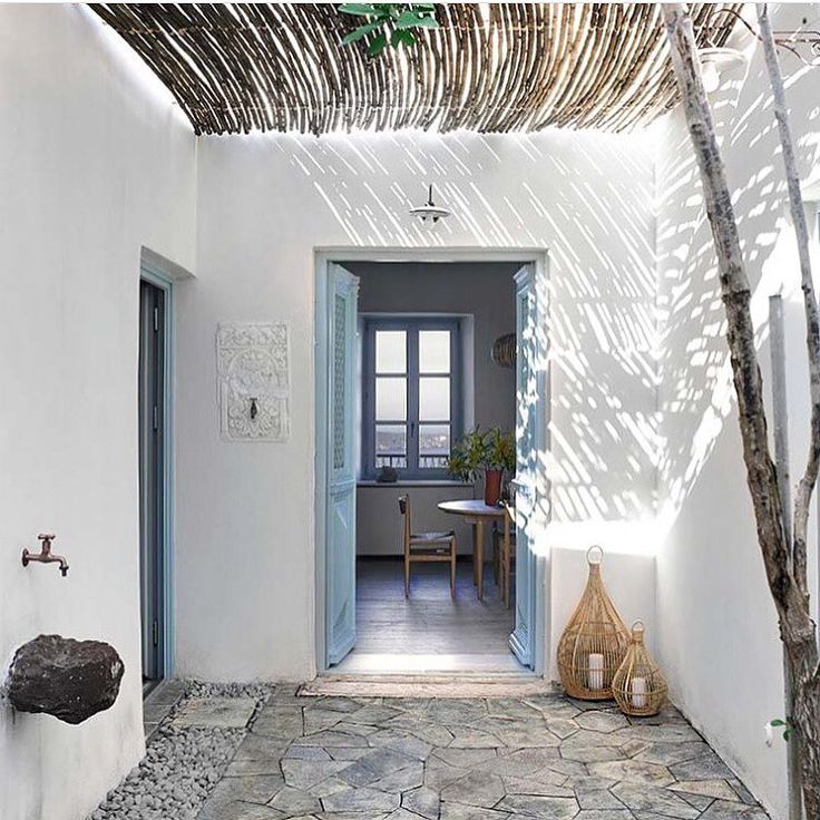 Milos house …. project of @k_studio_gr . Photo by @vangelispaterakis styling @anestismichalis ///////////////// #travel #mediterranean… – Alexandra Zosso