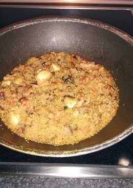 Quinoa con champiñones, bacon y dátiles
