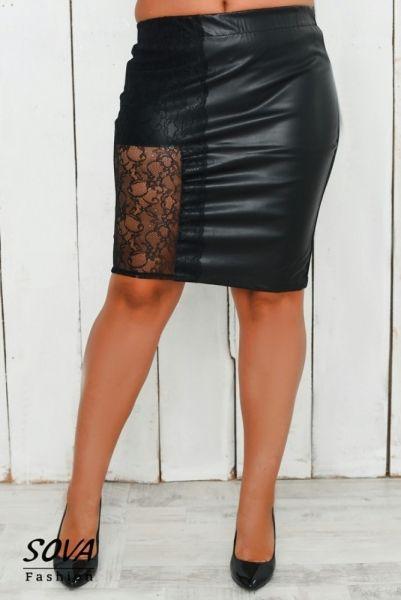 Юбка женская кожаная большой размер декор гипюр черная