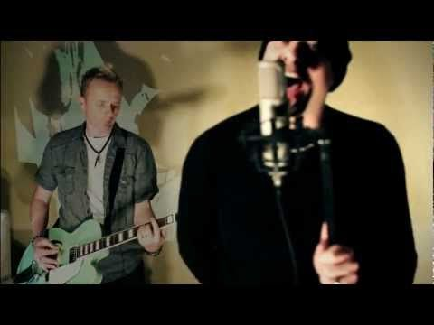 The Official Video for the new Mesh Single Born to Lie  This is the first single release from the album Automation Baby.  Album Release date: 15 March 2013  Want to get involved?  http://www.facebook.com/meshtheband http://www.mesh.co.uk http://www.mesh-fanclub.de http://www.trishcommunications.be  Twitter: @meshwecollide