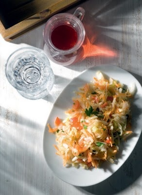 "Amateur Cook Professional Eater - Greek recipes cooked again and again: Marinated cabbage salad ""à la Polita"""