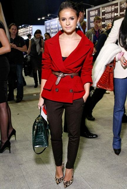 miroslava duma- i like the idea of belting my jackets. but then where do u put the belt when u take it off? ur purse?