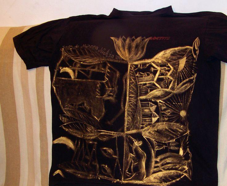 tricou pictat.culori textile.auriu