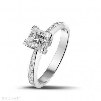 Anillos de Compromiso Diamantes de Platino - 1.00 quilates anillo de platino de diamantes con diamantes en los lados