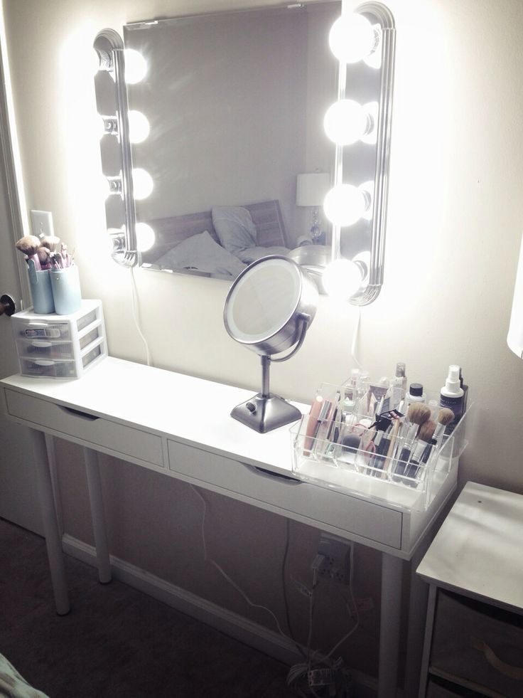 Vanity With Lights Around Mirror Diy : 296 best images about Peruckenladen on Pinterest Shops, Waiting area and Ikea