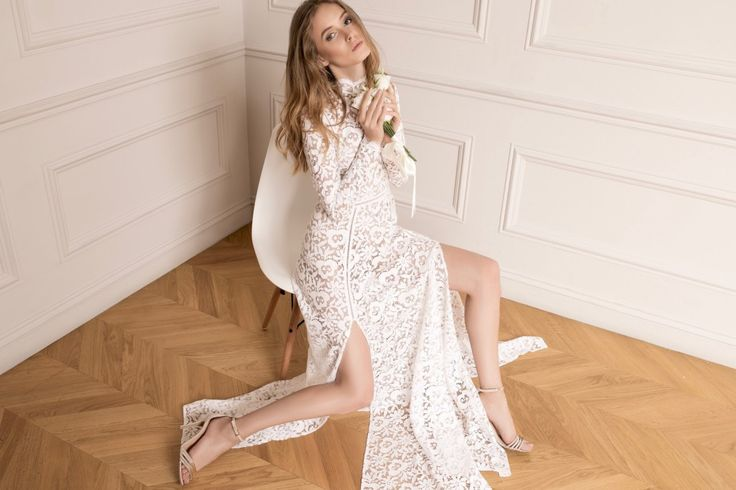 Breaking down the conventional bride ▶ The new Raquette Bridal Fall 2016 Edition is now on air! ✔ maisonraquette #raquettebridal #maisonraquette #weddinggown #bridaldress #bride #bohemian #lace