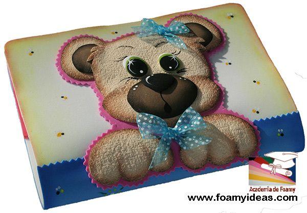 Teddy Bear for yor book or excesice book, or for your notebookk etc. Made form foam EVA. Portacuaderno o forro para cuaderno con oso.  Hecho de foamy (goma EVA). Videotutorial: http://www.foamyideas.com/cursos foamyideas@gmail.com