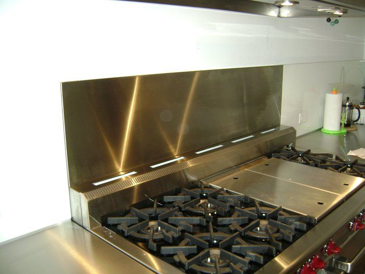 Stainless Steel Stove with Stainless Steel Backsplash