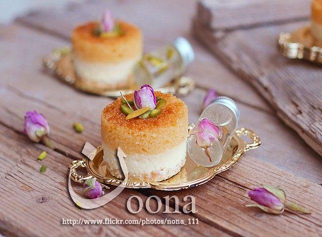 ميني تشيز بسبوسه Middle Eastern Desserts Yummy Food Dessert Dessert Recipes