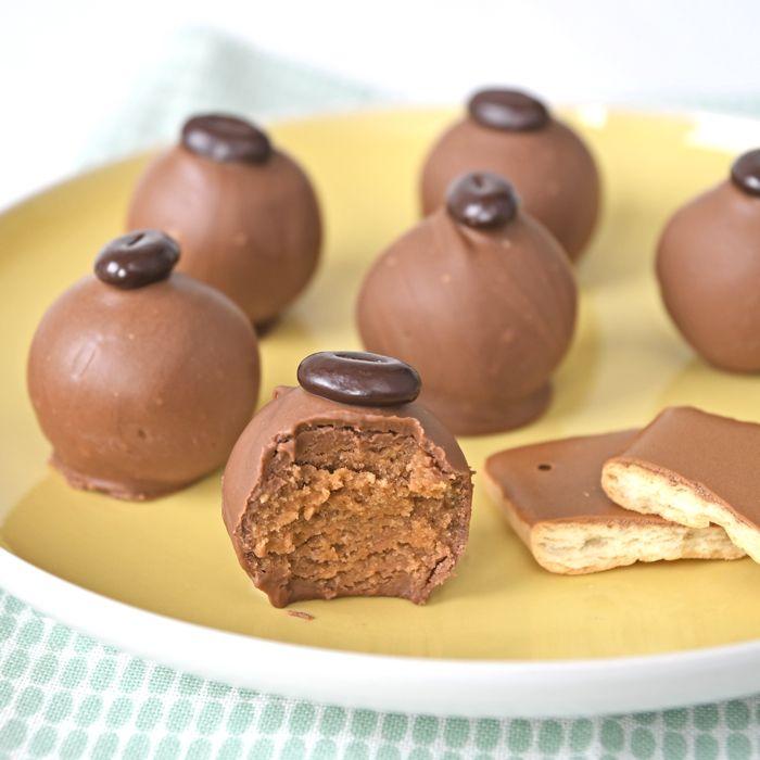 Ik heb weer een nieuwe truffel bedacht: deze cafe noir truffels wil je echt proberen, ze zijn heerlijk! Het recept staat hier voor jullie klaar.